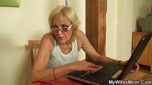 Sexe dans le bureau d'un flic avec une video de femme nue gratuit pute aux gros seins