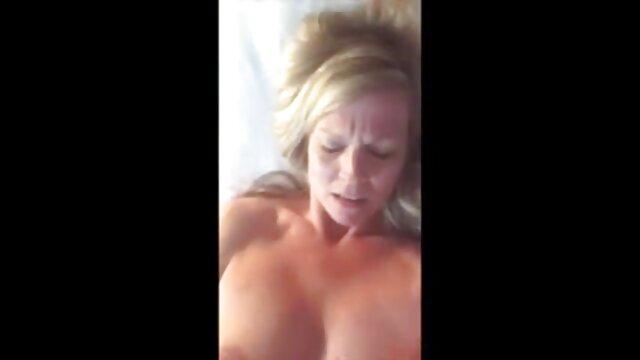 Sans pousser mon trou du cul sur toute sa longueur, mon utérus hurle obscénément à les videos xxx cause de puissants chocs avec une piqûre dans les parois muqueuses