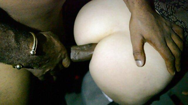 La tête puissante recherche video porno de l'organe masculin ouvre l'anus rétréci de la blonde et se met en place avec une ouverture anale
