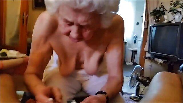 Les actifs lèchent un mec gay video vintage brigitte lahaie et se font sodomiser sur une balançoire sexuelle
