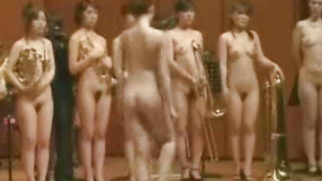 Deux filles sexy aux gros seins ont organisé un trio avec un vidéos pornos hd homme noir