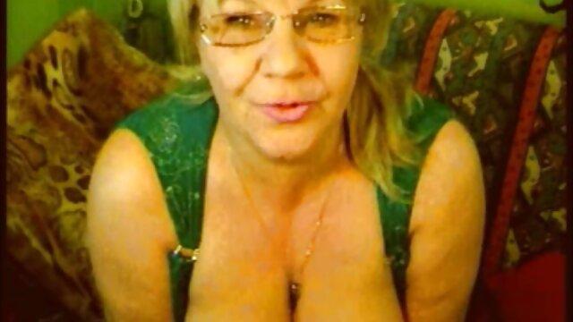 Une infirmière aux gros seins a passé des tests et a baisé un mec malade sexe vidéo streaming