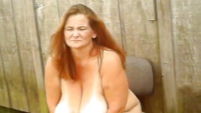 Les mecs ivres sont heureux video porno adulte de rencontrer une chienne mignonne